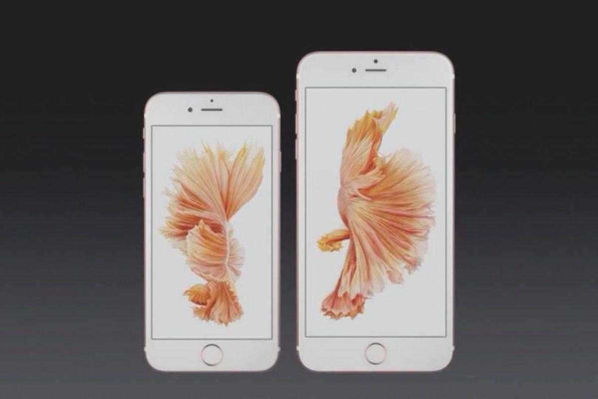 Para quienes desean un smartphone que pueda caber perfectamente en su bolsillo está el iPhone de 6s de 4.7 pulgadas, pero si lo quieren para leer documentos, ver películas o jugar cómodamente está el iPhone 6s Plus de 5.5 pulgadas. Foto:Apple. Imagen Por: