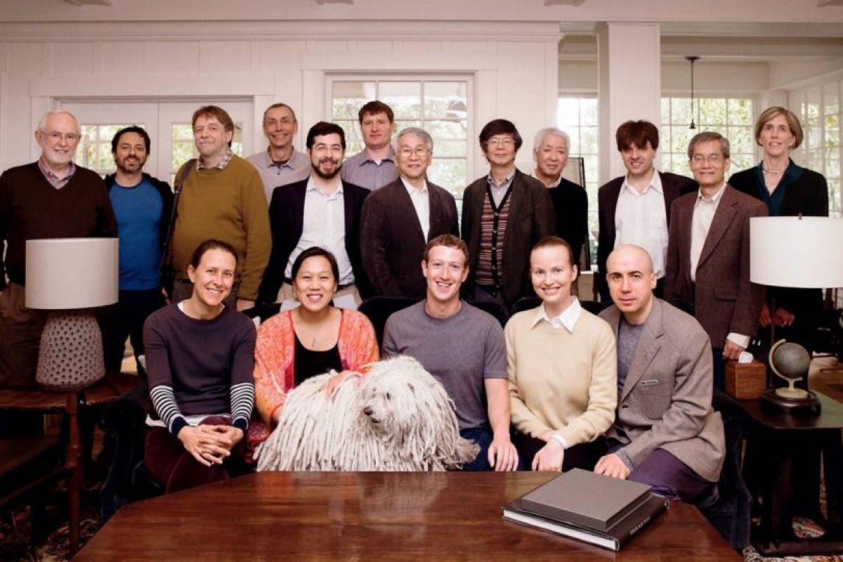 Sus amigos siempre están cerca. Foto:facebook.com/zuck. Imagen Por: