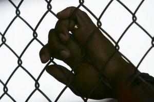 3. Dígale al niño o niña que no tiene la culpa por el abuso sexual. Foto:Getty Images. Imagen Por: