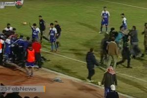 La policía tuvo que intervenir para que el incidente no pasara a mayores. Foto:YouTube. Imagen Por: