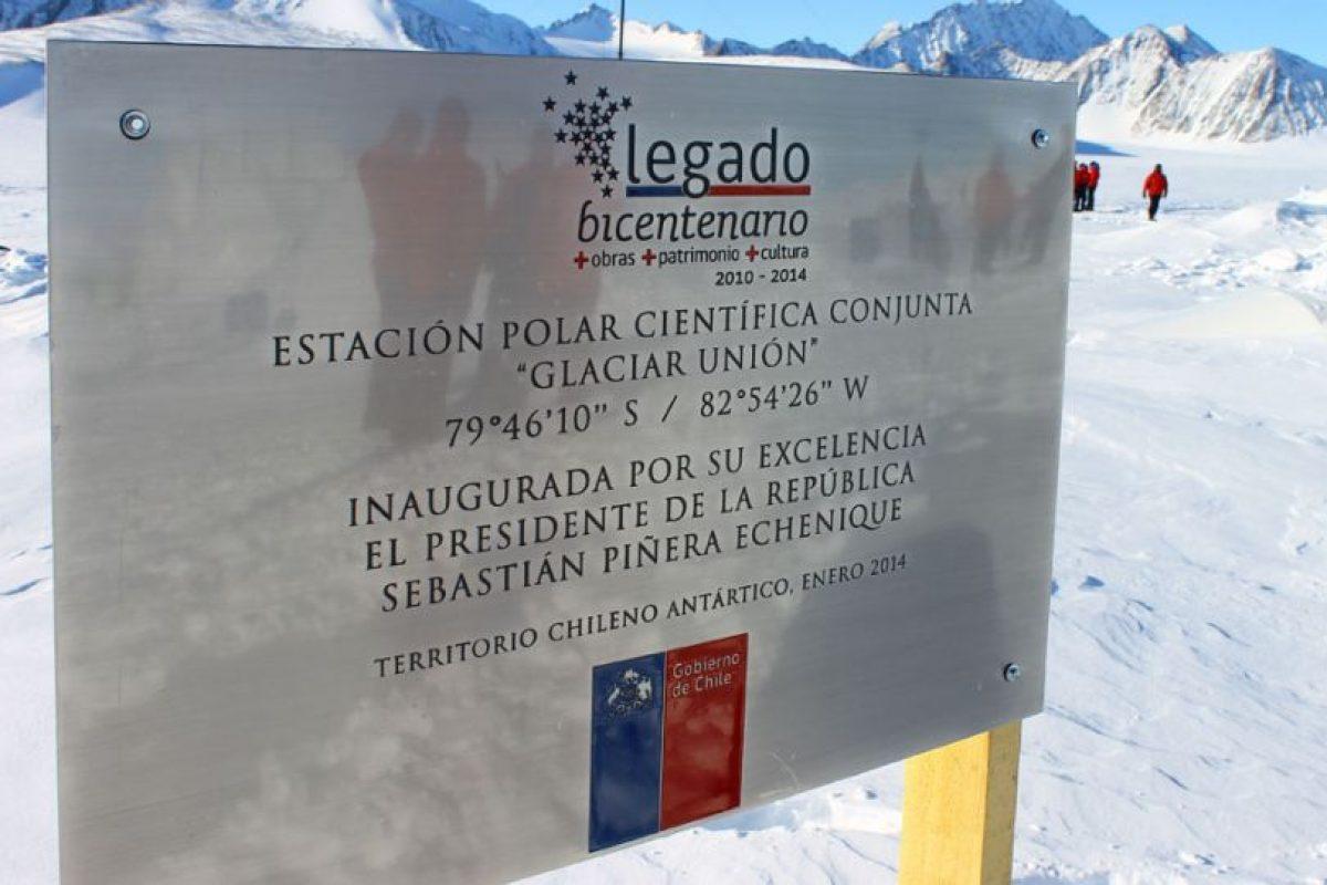 Este es el cartel que está afuera de la base Foto:Jaime Liencura / Publimetro. Imagen Por: