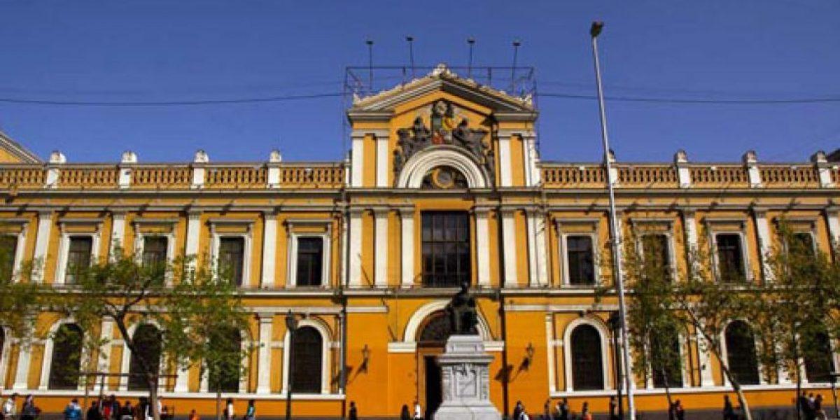 U. de Chile abre curso gratuito para todo público: hay 7 mil cupos