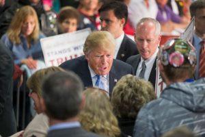 Anonymous señaló a Donald Trump como su nuevo enemigo. Foto:Getty Images. Imagen Por: