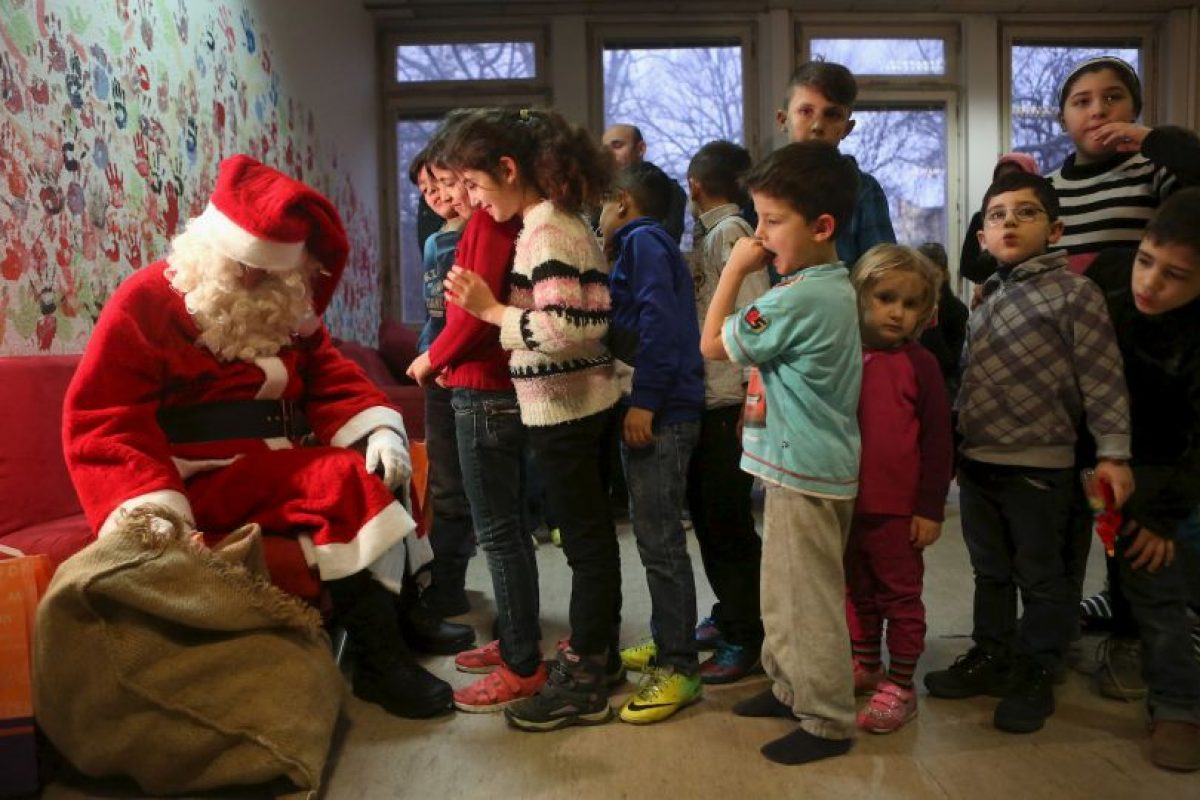 Y visitaron a niños migrantes sirios Foto:Getty Images. Imagen Por: