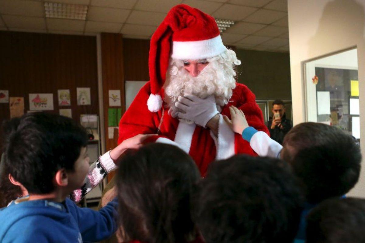 Más imágenes conmovedoras: Así fue la visita de Santa a un campo de refugiados Foto:Getty Images. Imagen Por: