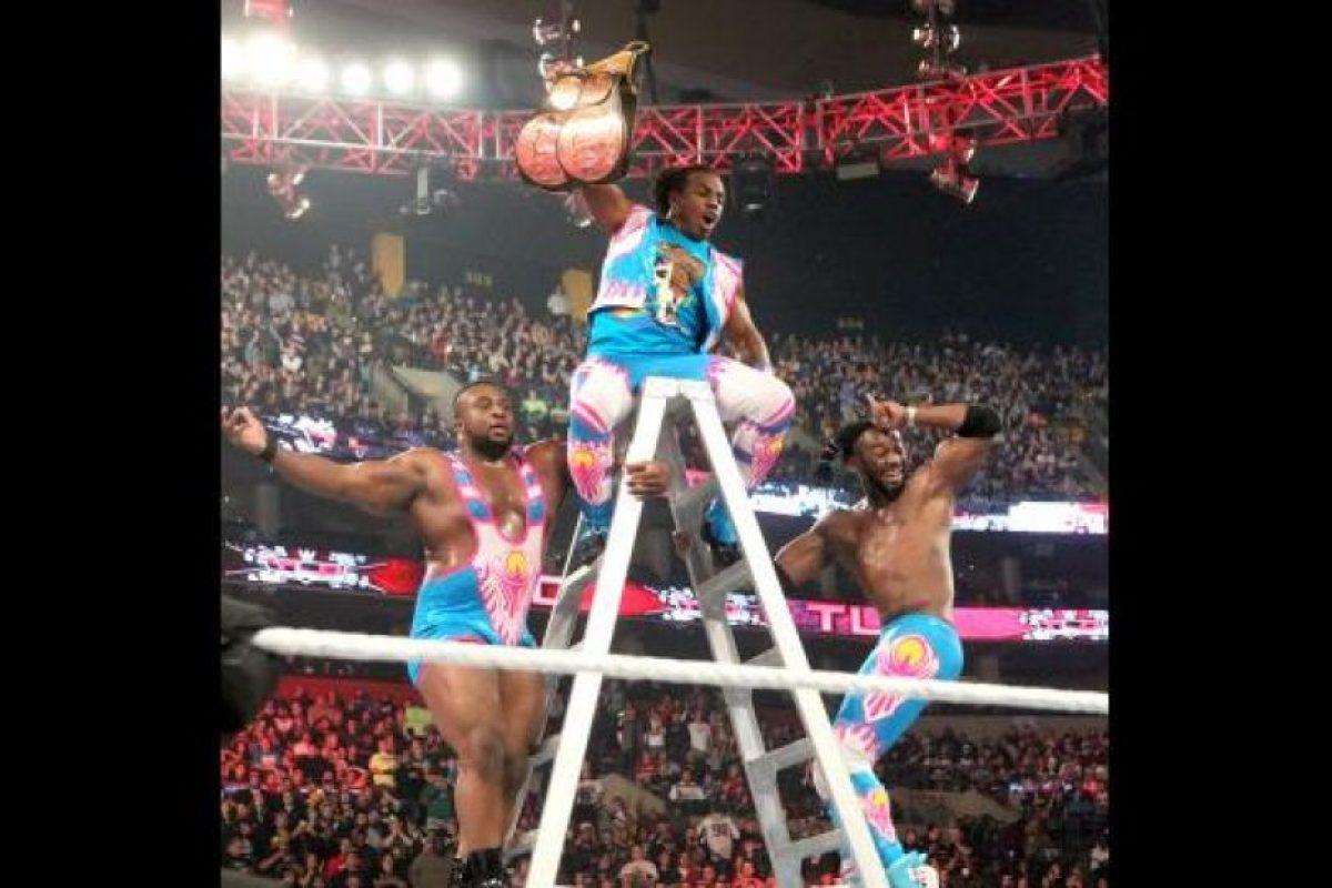 La pelea por el Campeonato en Parejas fue la más atracitiva de TLC, el último PPV del año de WWE Foto:WWE. Imagen Por:
