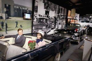 """""""Famous Deaths"""" es el nombre de una innovadora exposición que pretende reconstruir las muertes de celebridades como: Whitney Houston, John F. Kennedy y la princesa Diana, con solo olores y sonidos. Foto:Famousdeaths.nl. Imagen Por:"""