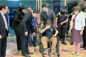 Según se señaló en su momento, un detector de mentiras confirmó la historia de Alvarenga Foto:AFP. Imagen Por: