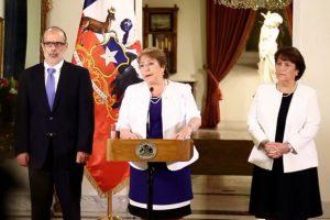 Michelle Bachelet, 2015. Su segundo mandato presidencial inició en 2014. Foto:Twitter.com/GobiernodeChile. Imagen Por: