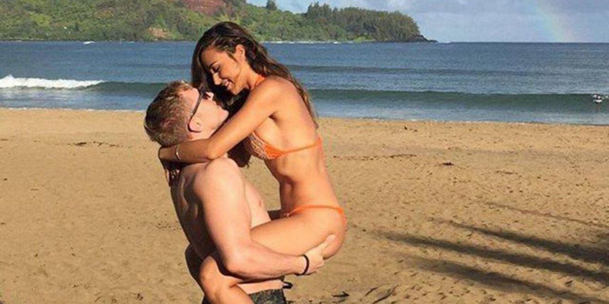 Esta chica en bikini pidió que editaran su romántica foto y ahora se arrepiente