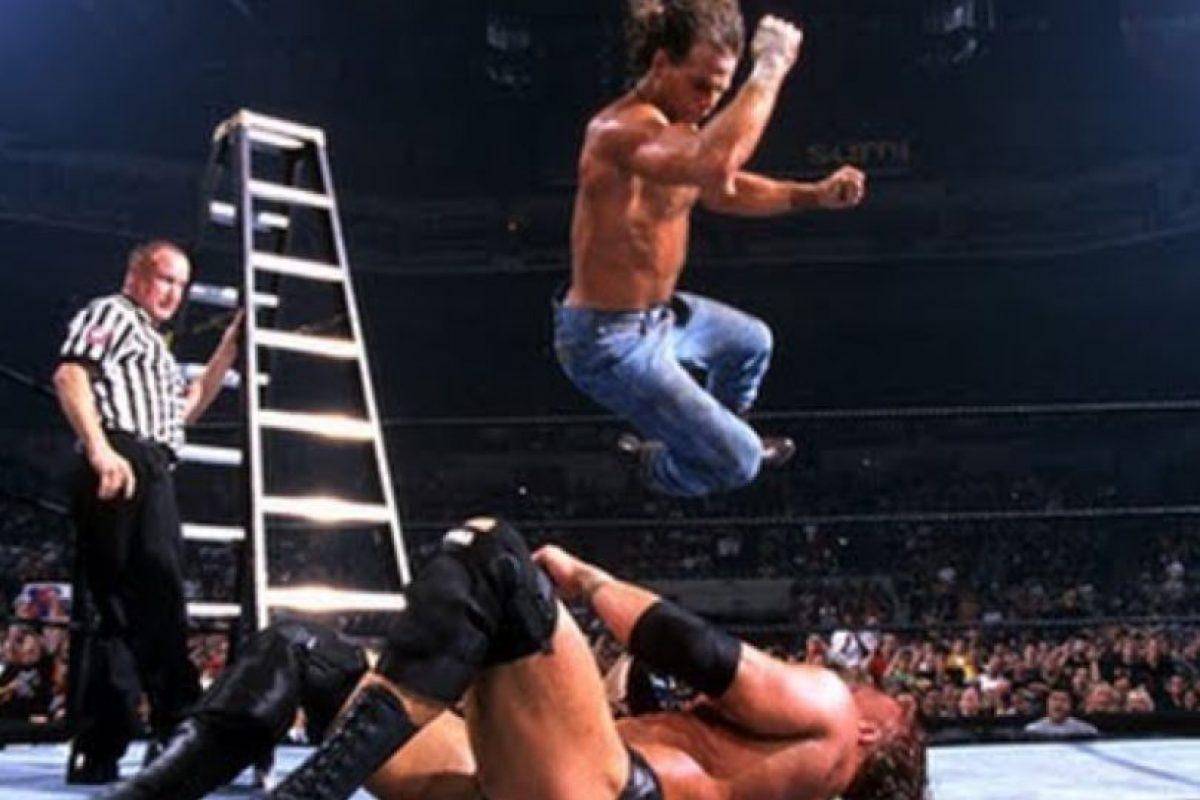 Dos emblemáticos luchadores de la Era Attitude en uno de los mejores eventos de la empresa. Foto:WWE. Imagen Por: