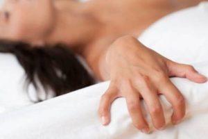 4. El tipo de orgasmo más común en las mujeres es el de la estimulación de clítoris. No obstante, muchas mujeres reportan que alcanzan un orgasmo más intenso por la estimulación del clítoris en conjunto con otras áreas genitales o extragenitales. Foto:Tumblr. Imagen Por:
