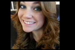 Virginia Houston Hinckley se entregó a las autoridades por tener relaciones con un alumno de 16 años. Foto: Facebook.com – Archivo. Imagen Por: