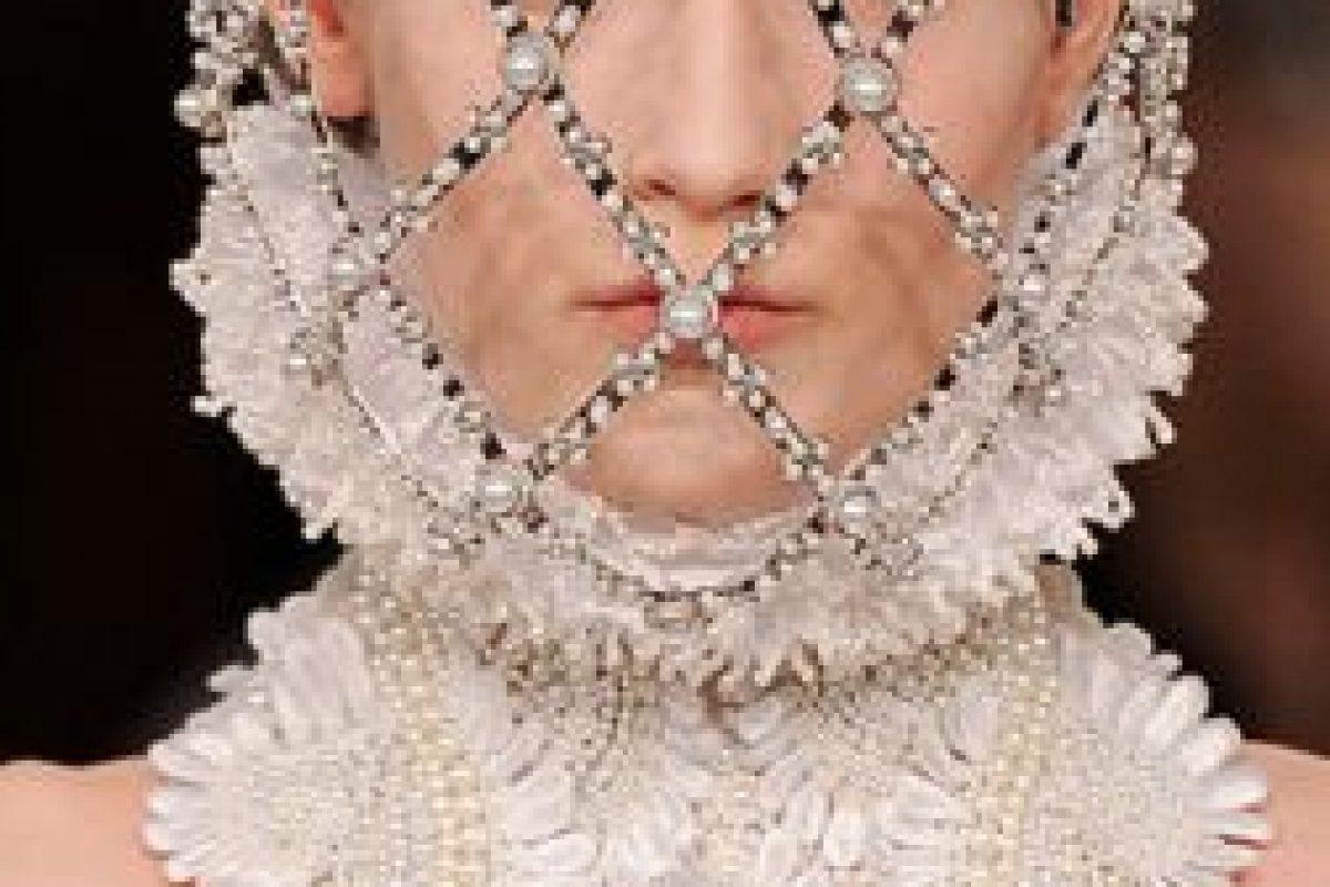 Givenchy inspiró sus tocados para el rostro en el vestido de boda de Amidala. Foto:vía Getty Images. Imagen Por: