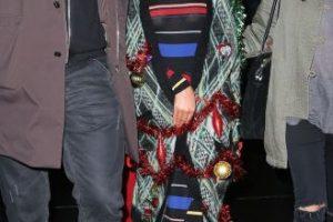 La cantante se limitó a vestirse como un árbol de navidad. Foto:The Grosby Group. Imagen Por: