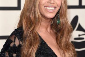 Su escote fue uno de los más atrevidos en la entrega de los premios Grammy. Foto:Getty Images. Imagen Por:
