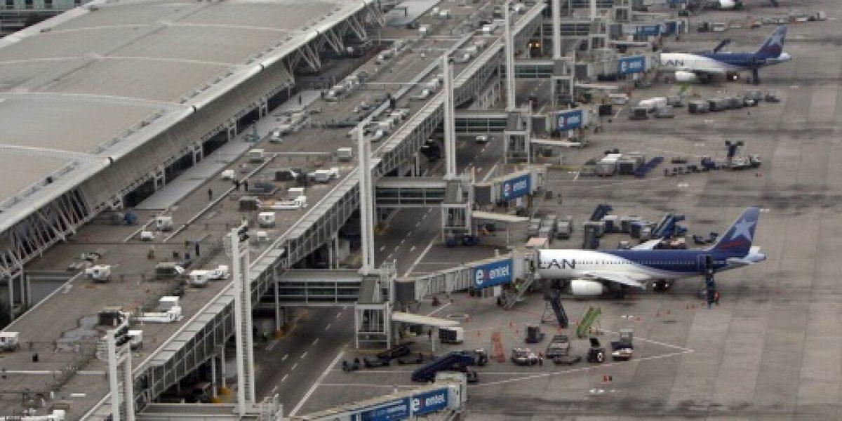 Llegar con hasta 4 horas de anticipación recomiendan aerolíneas por paro