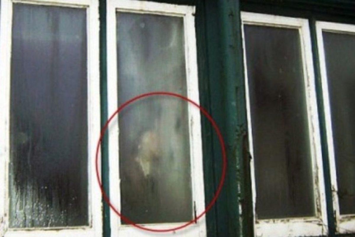 8. Aquí se observa la sombra de alguien, sin embargo, nadie ha asegurado que se trate realmente de un fantasma. Foto:Vía Imgur. Imagen Por: