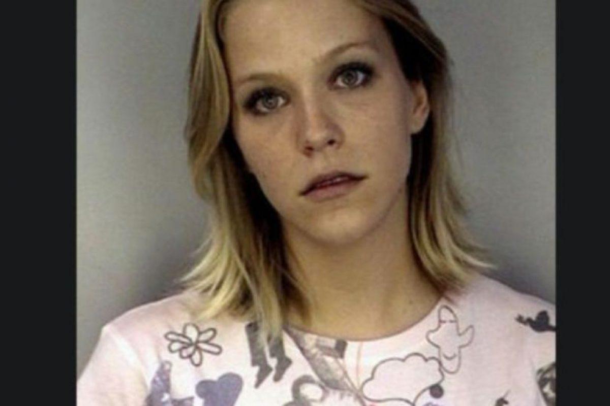 Debra Lafave fue acusada de abusar de un menor de 16 años, en Florida. Foto:Hillsborough County Jail. Imagen Por: