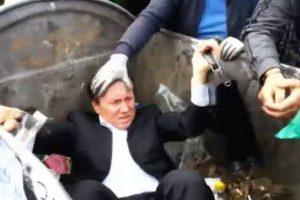 En Ucrania han resonado dos casos, el del diputado Vitaly Zhuravsky, del partido oficialista Economía y Desarrollo, quien al salir del parlamento en Kiev fue arrojado a un contenedor de basura por un grupo de manifestantes. Foto:Reproducción. Imagen Por: