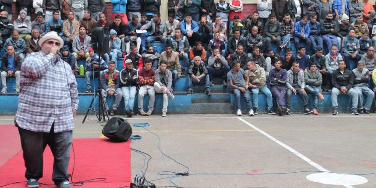 Fulanito adelantó regalo de Navidad a internos de Valparaíso