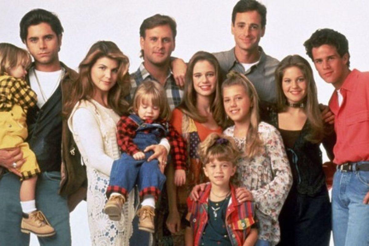 """""""Fuller House"""" es el spin-off de la serie que protagonizara Mary-Kate y Ashley Olsen en los años 90. Foto:IMDb. Imagen Por:"""