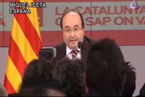 """Miquel Iceta,portavoz del PSC, recibió un huevazo al grito de """"¡Viva España, rojo de mierda!"""" cuando se disponía a realizar la primera valoración de los sondeos a pie de urna de las elecciones al Parlamento de Cataluña de 2010. Foto:Reproducción. Imagen Por:"""