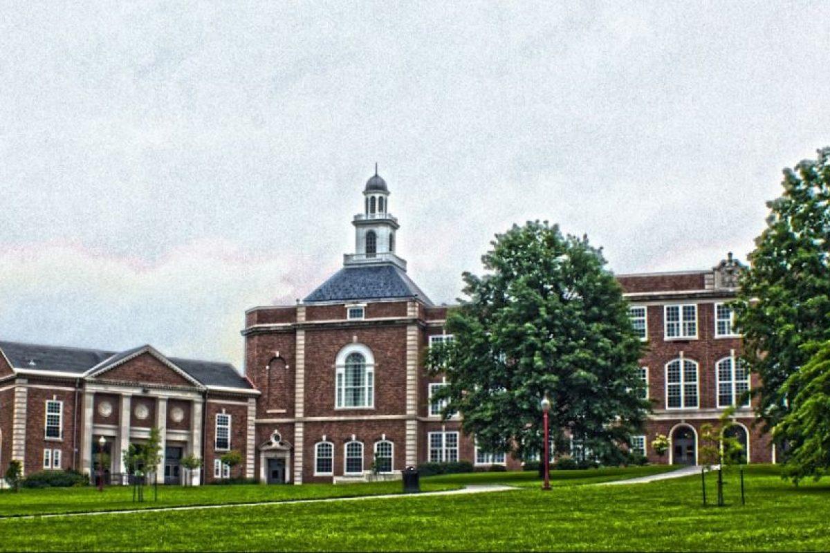 Bryan decidió encontarse con su nieto en la escuela City High School Foto:Google Maps. Imagen Por: