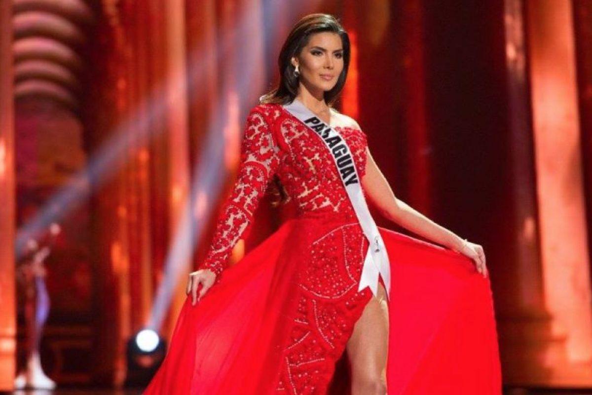 Un buen trabajo artesanal que se echó a perder con tela sobrante. Foto:vía Facebook/Miss Universe. Imagen Por: