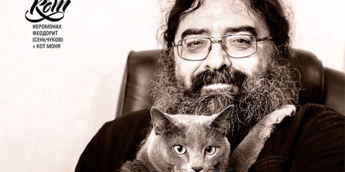 ¡Insólito! Sacerdotes posan junto a sus gatos para un calendario y se hace viral