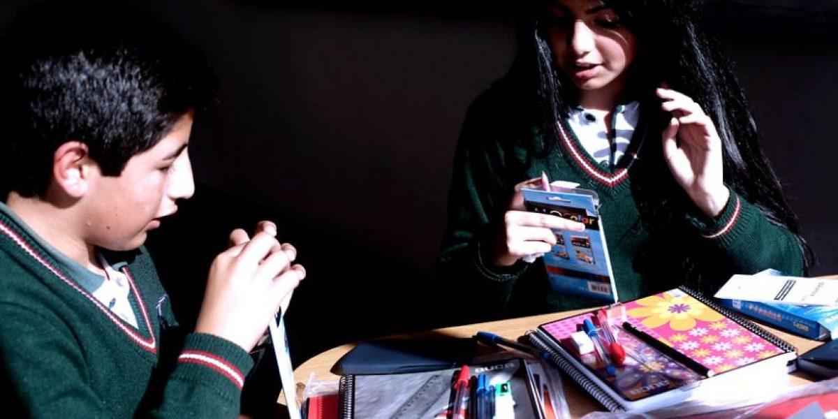 Estudio: chilenos de 14 años tienen problemas para reconocer la corrupción
