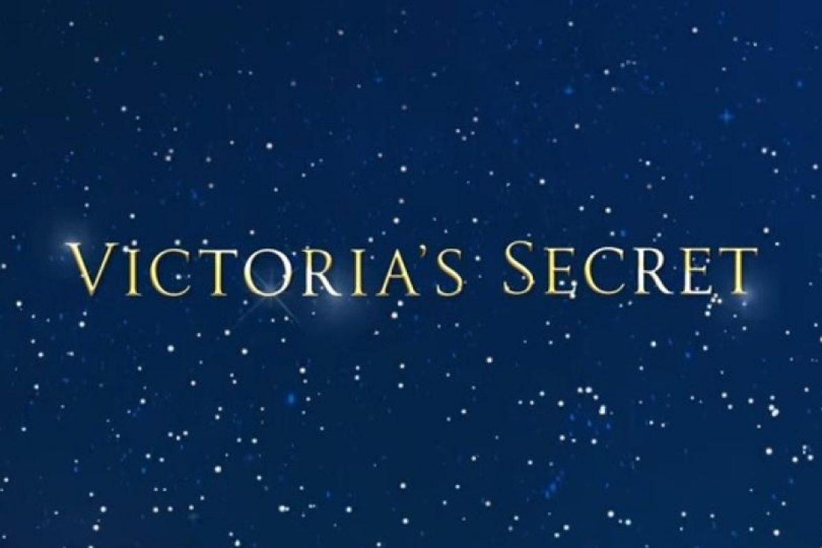 """Los """"ángeles"""" de Victoria's Secret prepararon una linda y desentonada canción navideña. Foto:YouTube/Victoria'sSecret. Imagen Por:"""