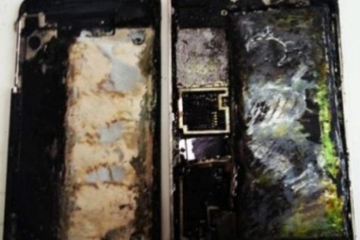 5) iPhones incendiados. Foto:Getty Images. Imagen Por: