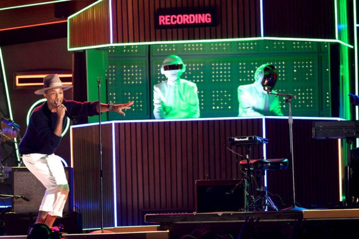 Get Lucky de Daft Punk (ft. Pharrell) Foto:Getty Images. Imagen Por: