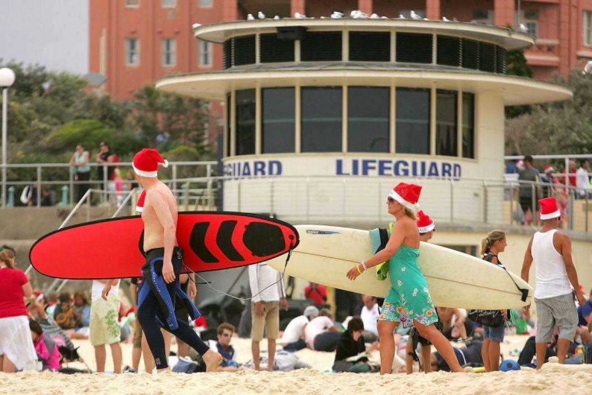 El primer récord mundial fue impuesto por 250 surfistas. Foto:Getty Images. Imagen Por: