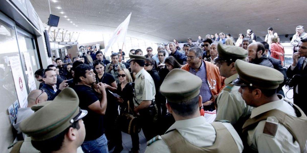Funcionarios de la Dgac analizan si extienden paro y Gobierno llama al diálogo