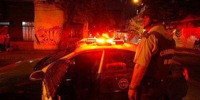 Puente Alto: detienen a dos sujetos con armas robadas y falsas placas de la PDI