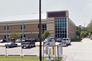 El alumno de 16 años estudiaba en la escuela Destrehan High School. Foto:Google Maps. Imagen Por: