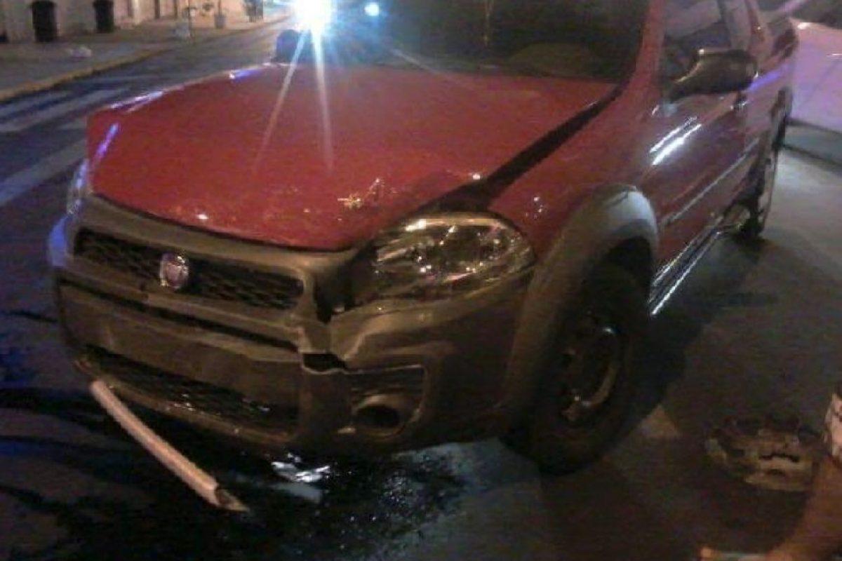 Así quedó el auto luego del golpe. Foto:Imgur. Imagen Por: