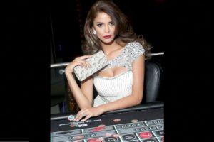 Laura Spoya es Miss Perú Foto:Facebook.com/MissUniverse. Imagen Por: