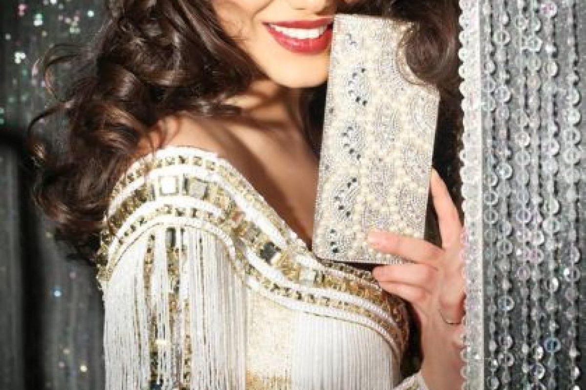 Amina Dagi es Miss Austria Foto:vía facebook.com/MissUniverse. Imagen Por: