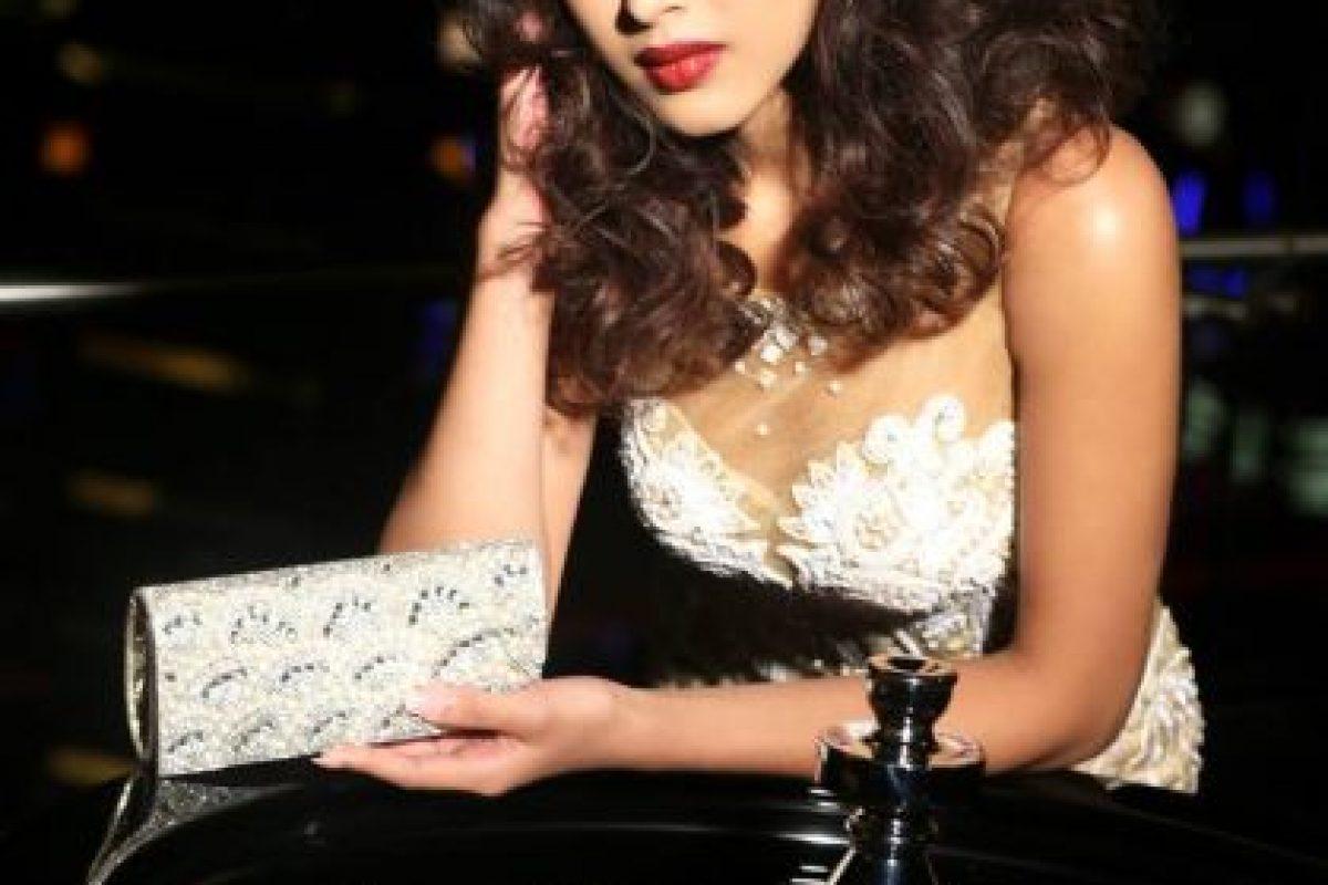 Lisa White es Miss Singapur Foto:vía facebook.com/MissUniverse. Imagen Por: