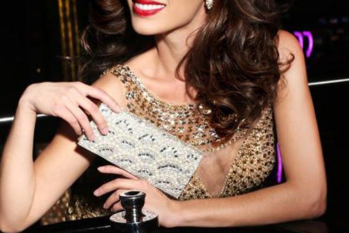 Paola Nunez es Miss Canadá Foto:vía facebook.com/MissUniverse. Imagen Por:
