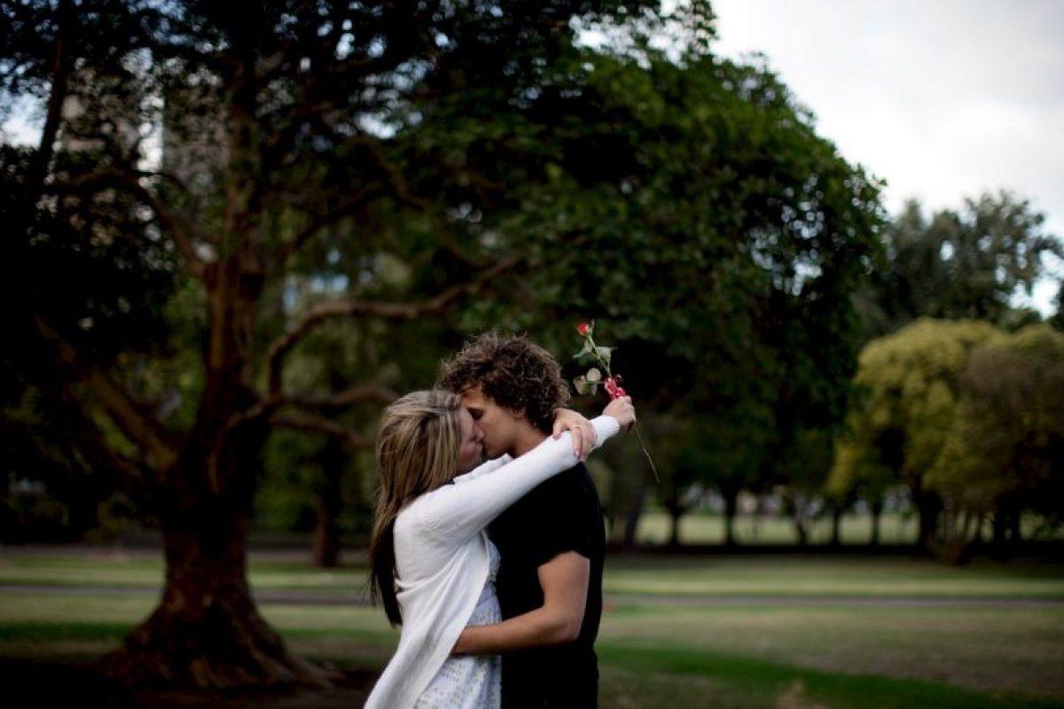 Haz tu lista de deseos: anota todo aquello que deseas en una pareja y visualiza situaciones amorosas. Funciona. Foto:Getty Images. Imagen Por: