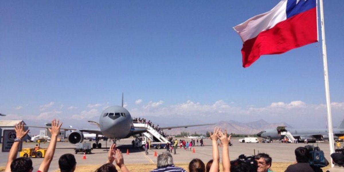 Paro DGAC: arriba a Santiago avión con 200 pasajeros desde Isla de Pascua