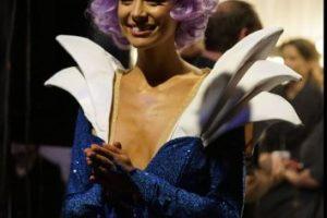 El problema de Miss Australia ni siquiera es el vestido, que parece un cosplay. Foto:vía Facebook/Miss Universe. Imagen Por: