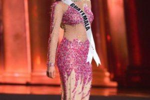 ¿Qué es peor? ¿La lentejuela rosada y el falso nude o lo de abajo? Foto:vía Facebook/Miss Universe. Imagen Por: