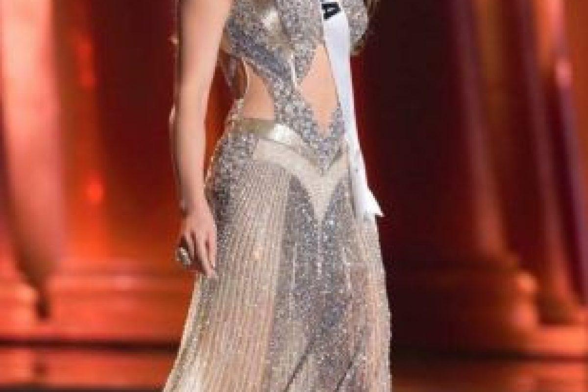 El problema con el vestido de Miss India son los zapatos, más propicios para otro tipo de eventos. Foto:vía Facebook/Miss Universe. Imagen Por: