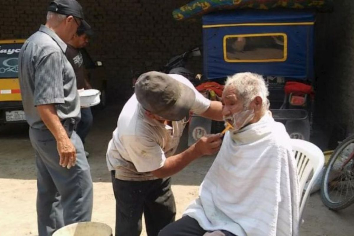 Luciano Chumán fue bañado, vestido y arreglado. Foto:Vía facebook.com/municipalidaddeferrenafe. Imagen Por: