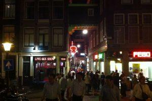 La zona es conocida por las tiendas relacionadas con la sexualidad. Foto:Vía Flickr. Imagen Por: